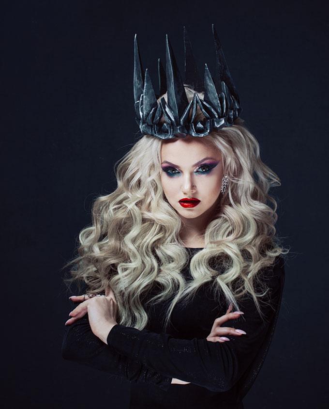 Plexiglas schilderij - Portrait of a Gothic Princess