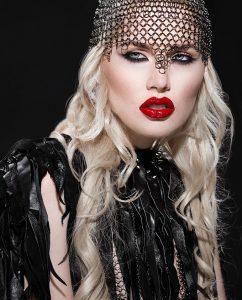Plexiglas schilderij - Model with red lips and perfect makeup