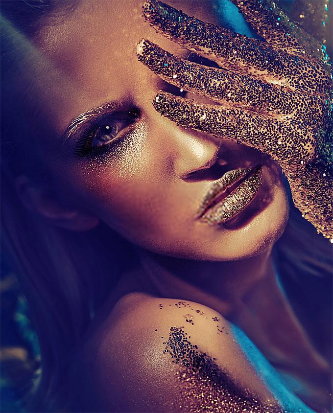 Plexiglas schilderij - Fashion type portrait of a glamorous blonde beauty