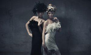 Plexiglas schilderij - Fine art photo of two fashion ladies