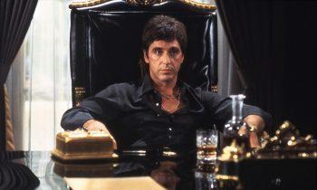 Al Pacino als Tony Montana uit de film Scarface uit 1983