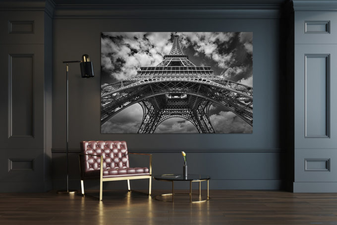 The Eiffel Tower with dark background foto-art