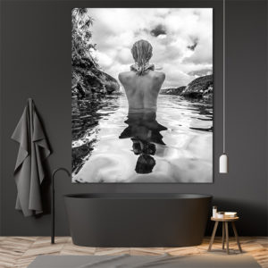 naked lady from te back in the water foto-art