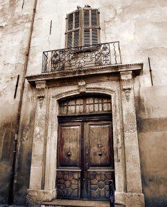 Door of an old building in Aix-en-provence