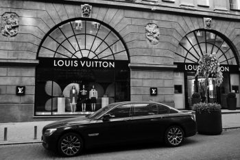 street view of Louis Vuitton brand store