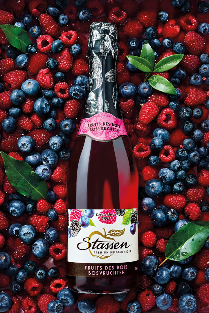 Beautiful visual by Designrepublic for Stassen - Stassen Fruit Cider Packaging