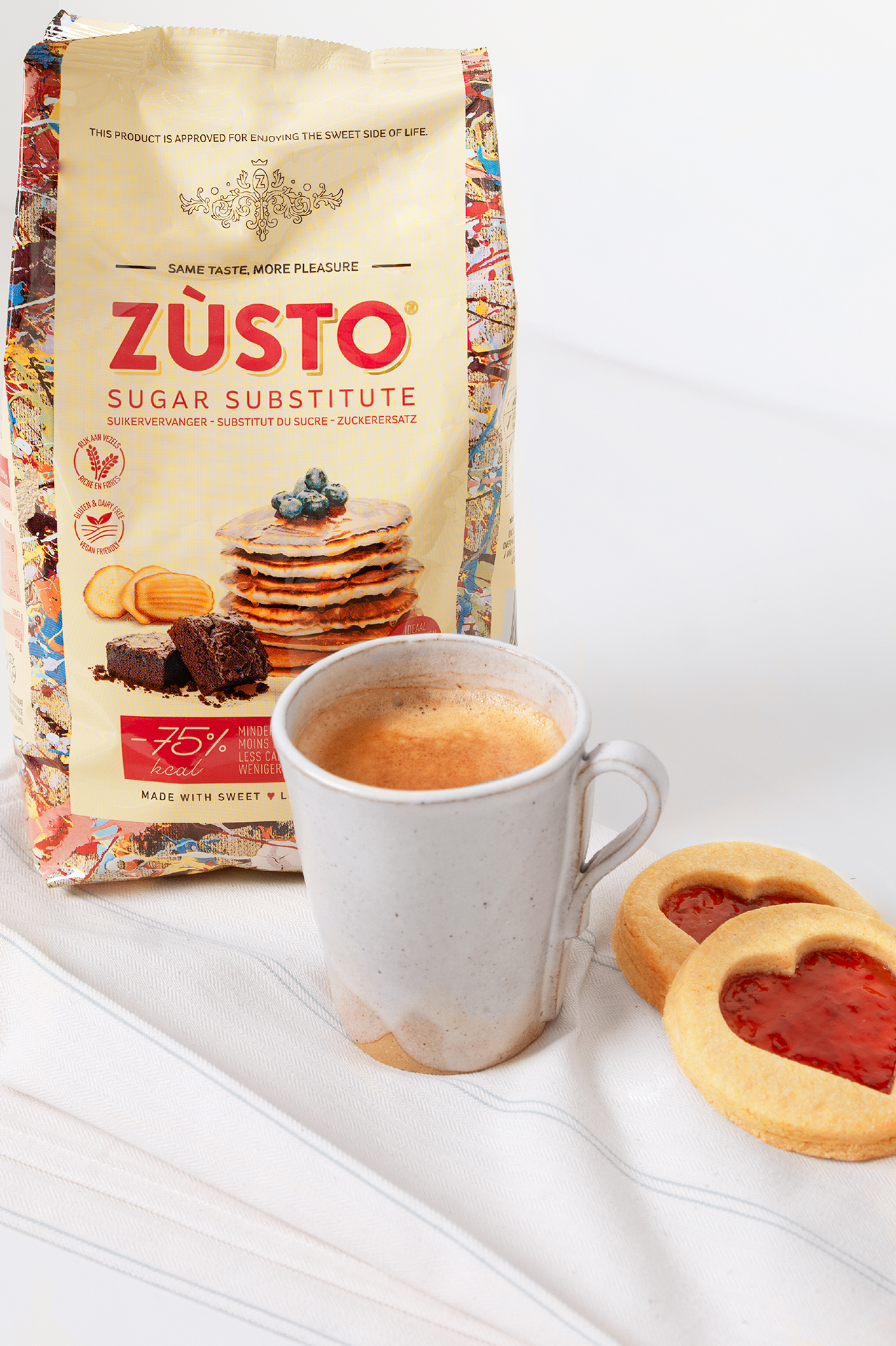 Zùsto coffee and cookie
