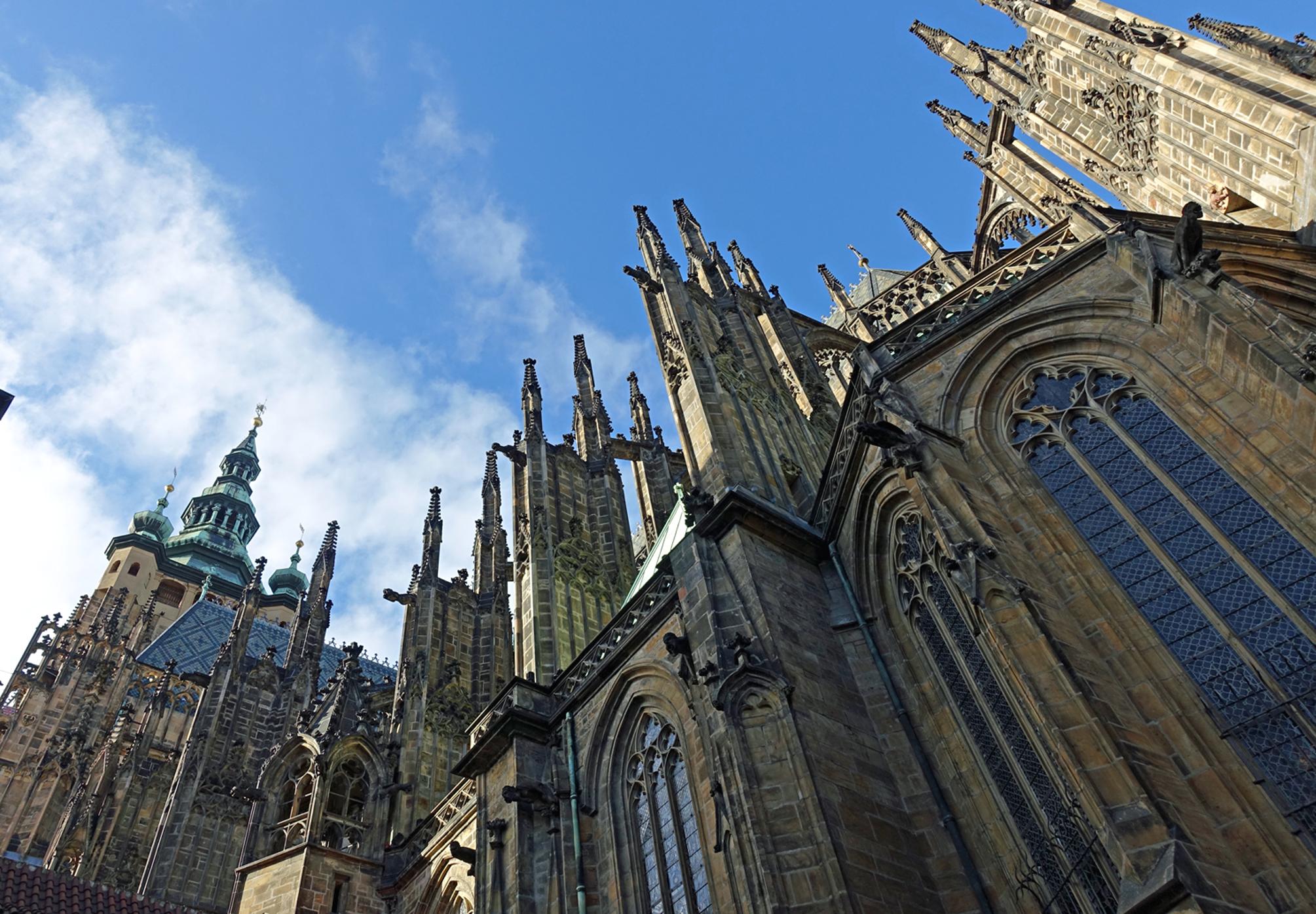 Denna bild har ett alt-attribut som är tomt. Dess filnamn är katedralenhimlen.jpg