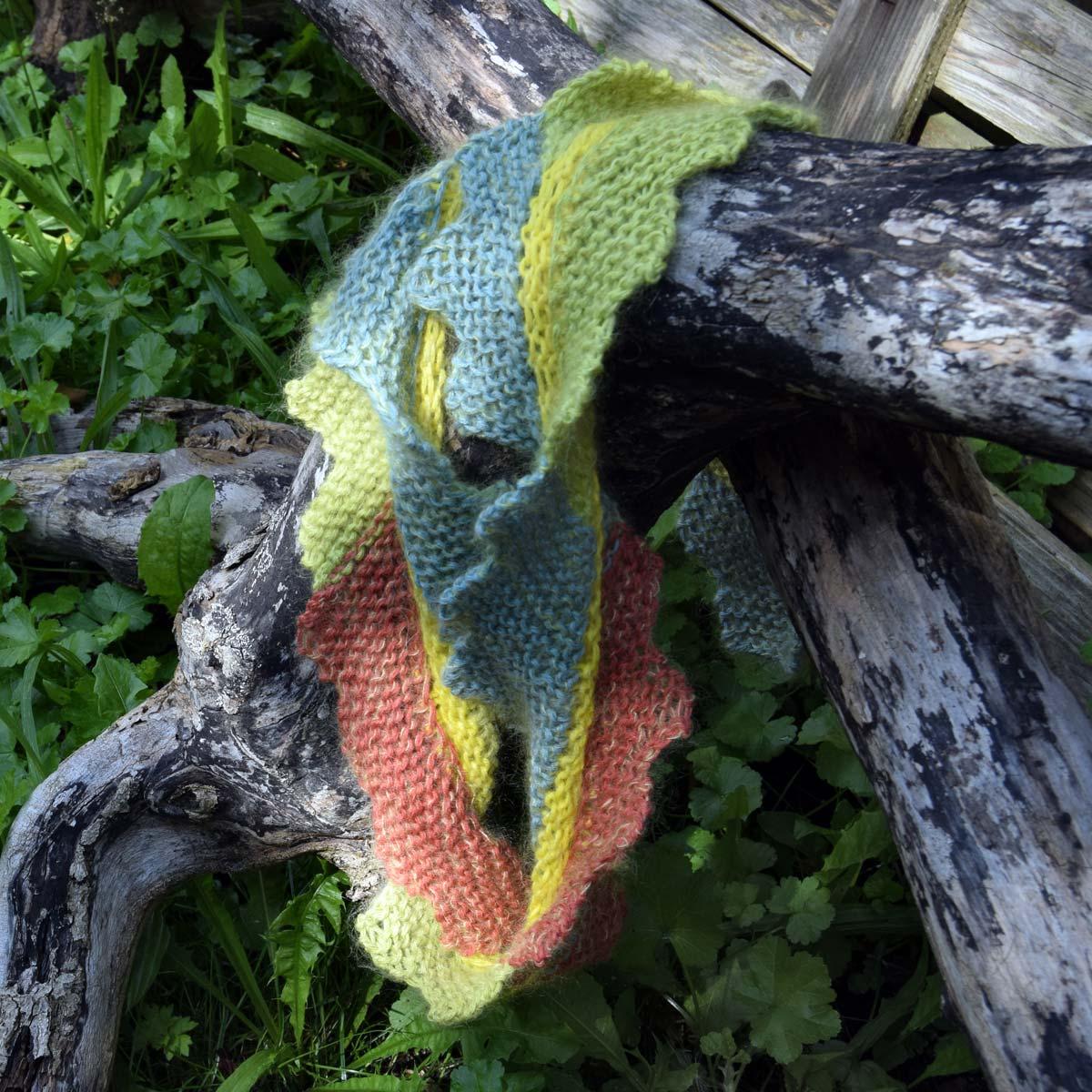 strikket cirkulært sjal eller hals-rør i en teknik, vi kalder Møbius