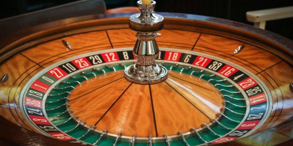 Viser en roulette - Ludomani & Spilafhængighed