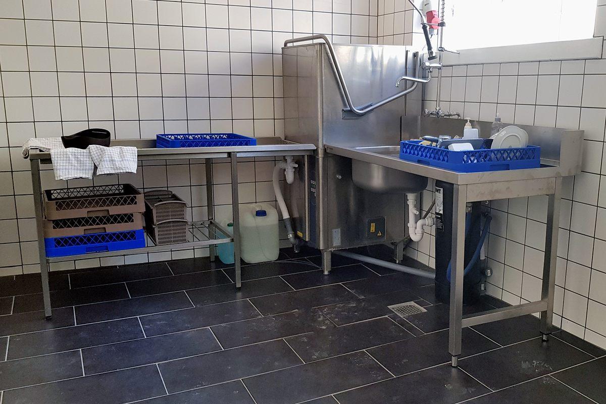 Vi søger unge medarbejdere til opvask mv.