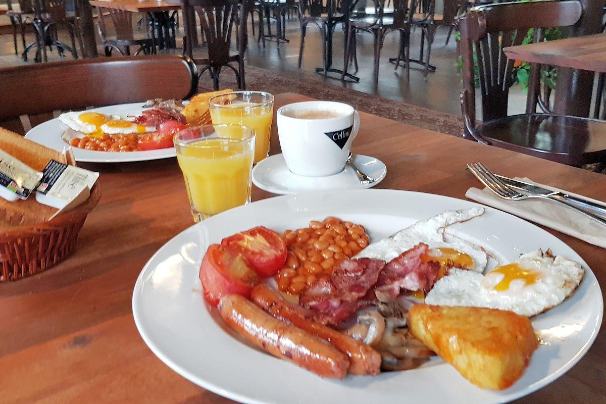 Julemarked og engelsk morgenmad