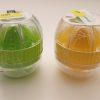 Citronpresser med hældetud fås i grøn og gul