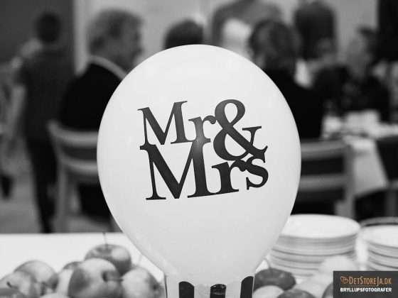 bryllupsbillede ballon mr mrs