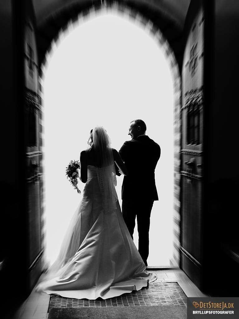 bryllupsfotograf exit kirke efter vielse