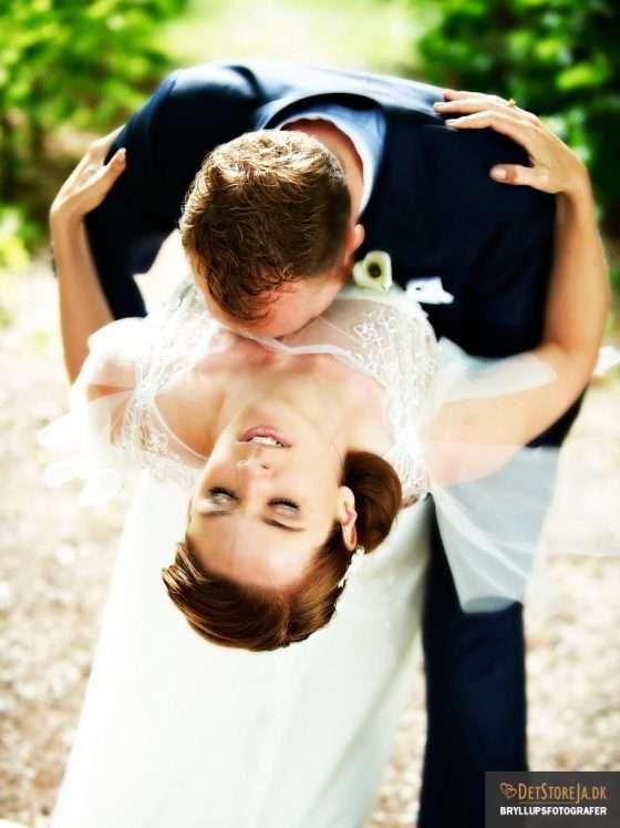bryllupsfotograf haderslev smuk brud lægges bagover