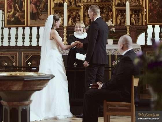 bryllupsfotograf i viborg sortebroedre vielse