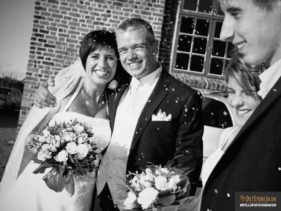 bryllupsfotograf trekantsomraadet-middelfart nygifte amstrup skilte