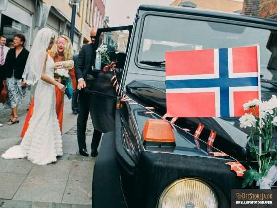 fotograf til bryllup randers bryllupsbil