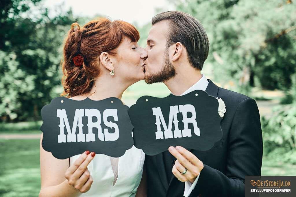 brudepar i 2020 bryllupsfotograf aarhus