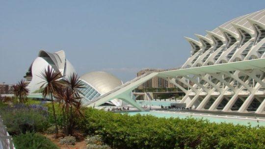 Op ontdekking door La Ciudad de las Artes y Ciencias, de architectuurparel van Valencia