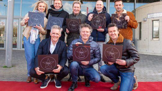 Het Schlagerfestival reikt voor het eerst sterren uit met eigen Walk of Fame in Hasselt