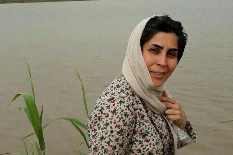 احضار ماندانا صادقی، روزنامه نگار اهل آبادان به اتهام حس کردن طعم شور آب