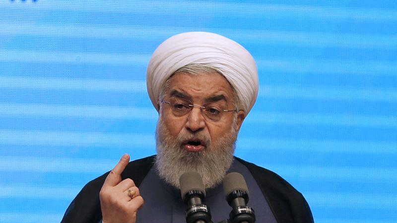 حسن روحانی: دولت نه استعفاء میدهد و نه کنار میکشد