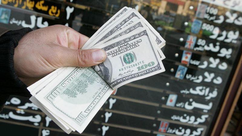 روز دوم دلار ۱۰ هزار تومانی؛ بانک مرکزی می گوید «دشمنان» نقش دارند