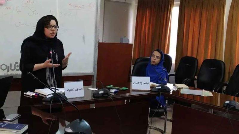 نجمه واحدی، فعال حقوق زنان، بازداشت شد