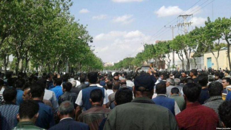 اعتراضات جدید کشاورزان اصفهان به معضل کمآبی و حقآبه