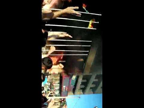 تلویزیون دیدگاه: هجوم مردم خشمگین مهاباد به هتل محل جنایت وزارت اطلاعات – 3