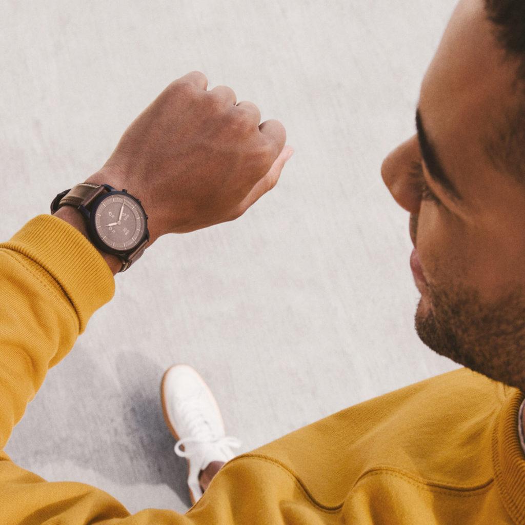 undercover smartwatch