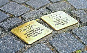 Read more about the article Darf man die heutige Situation mit dem Dritten Reich vergleichen?