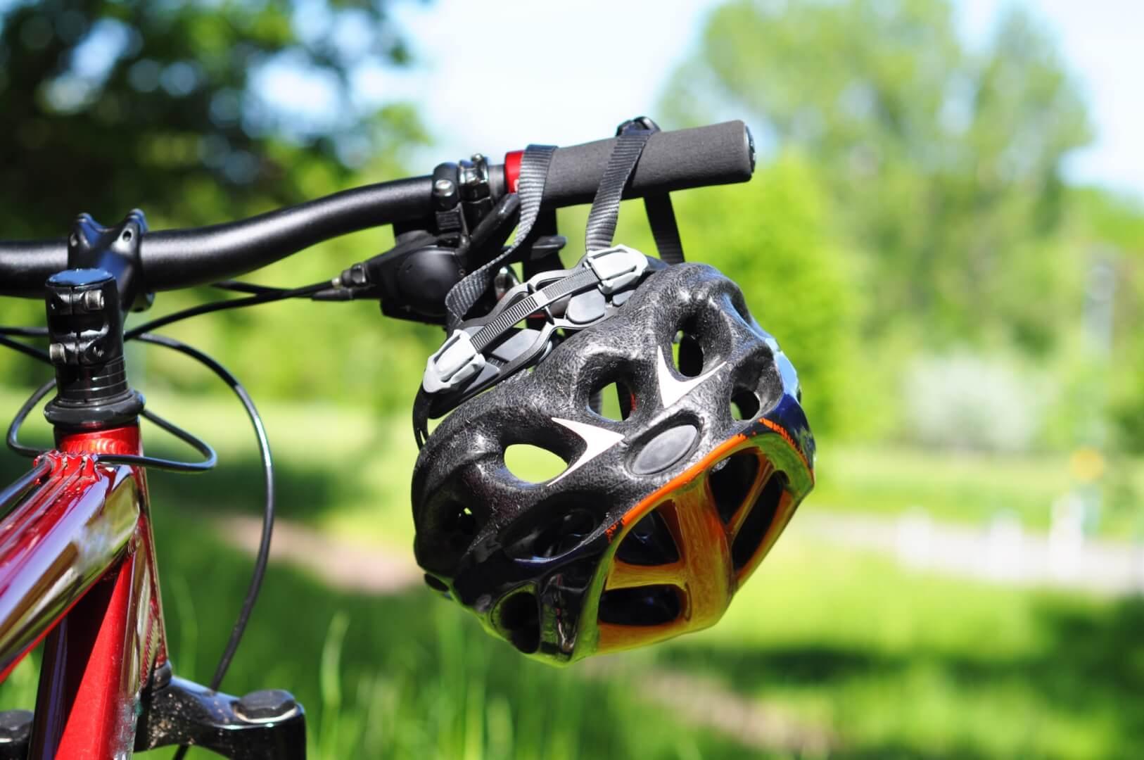 Cykel og cykelhjelm