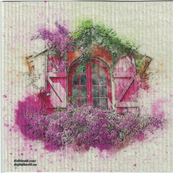 Disktrasa med motiv av rosa fönster med luckor målad Kjell Mari Ekvall