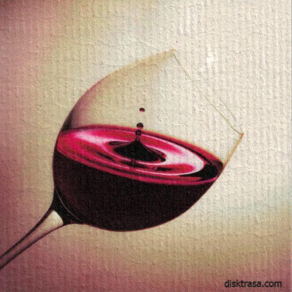 Disktrasa med motiv av rött glas vin redwine Kjell Mari Ekvall