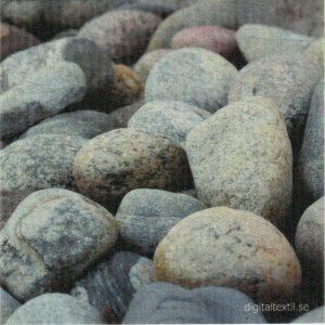Disktrasa med motiv av stenar Kjell Mari Ekvall
