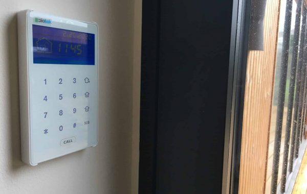 Dioteks trådløse betjeningspanel til styring af tyverialarmen
