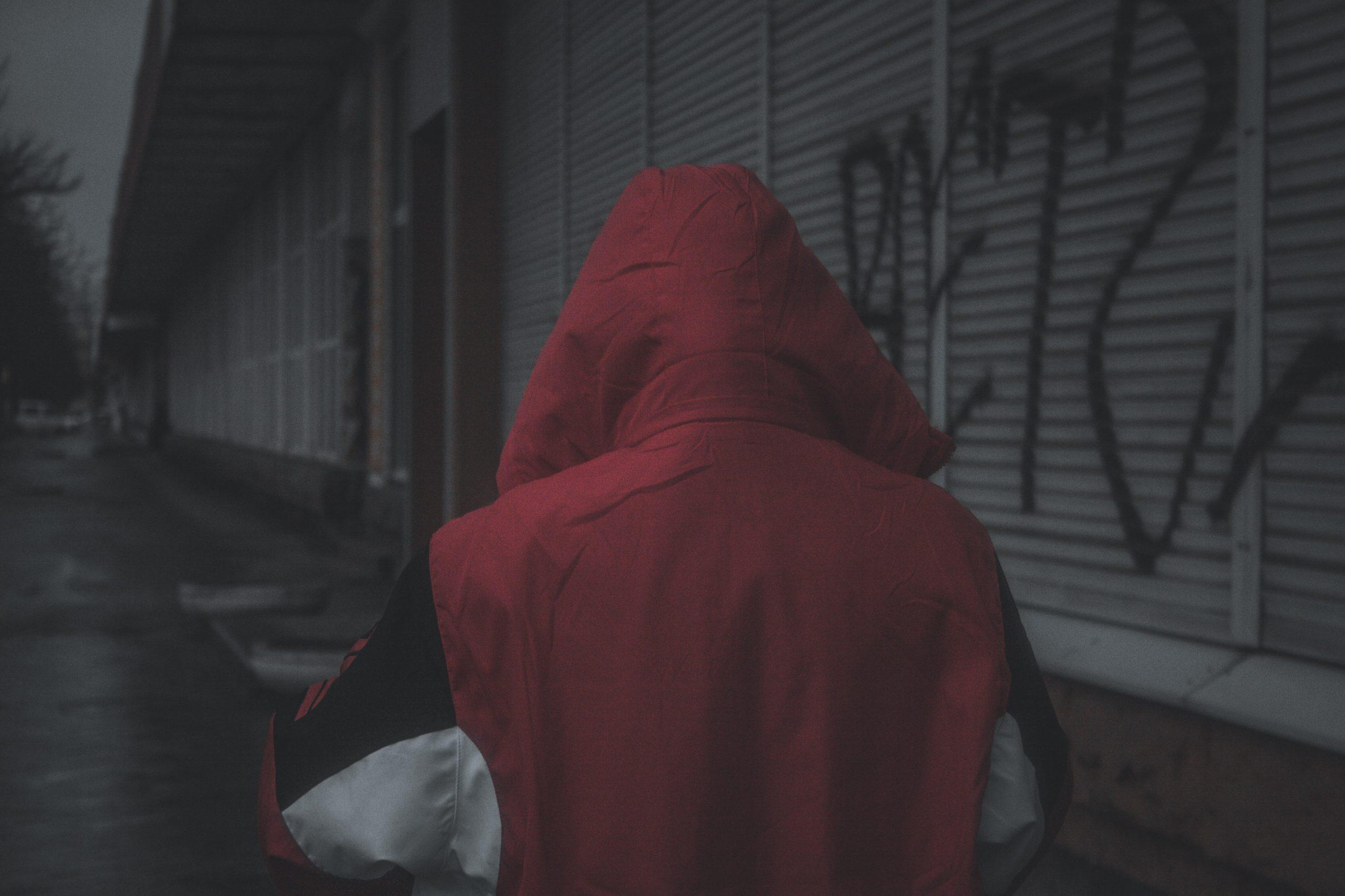 het verband tussen zakkenrollerij en mensenhandel