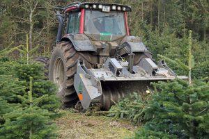 FAE-knuseren pulveriserer kasserede træer og stubbe i en arbejdsbredde på 2320 mm.