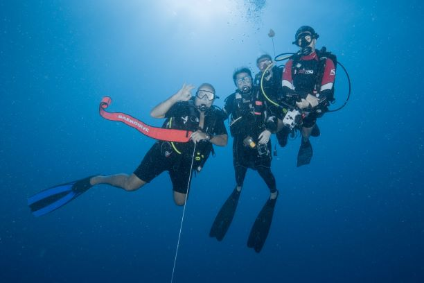 Resident Angebote Promotion DiveCenter Mauritius SeaUrchin Blog Post Diver Scubadiver Tauchen Unterwasserphoto