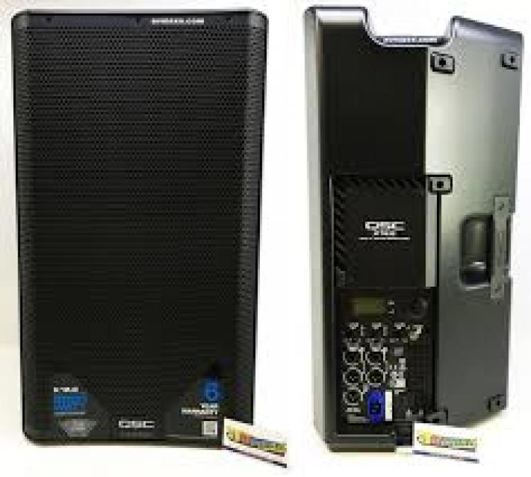 Luidspreker QSC K12.2 + statief