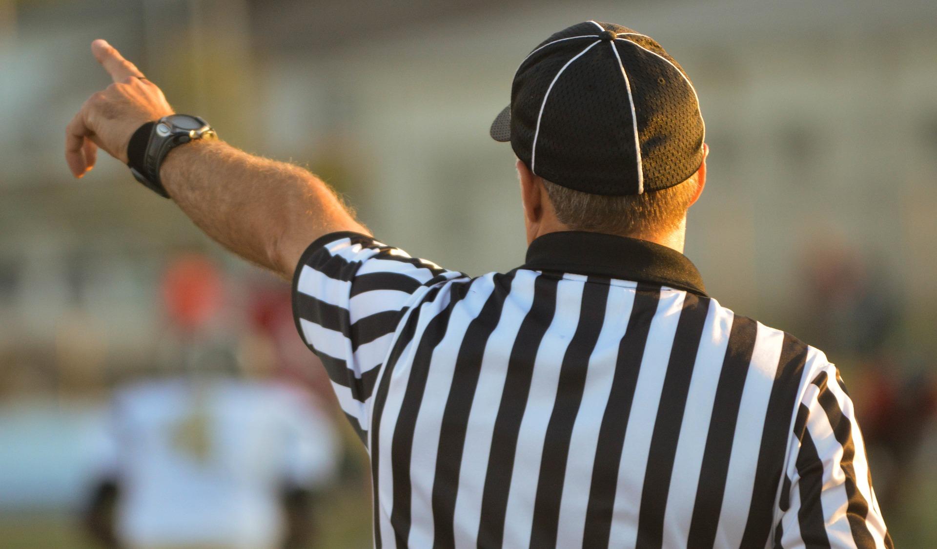 Herren-Referee Fortbildung für neue Regeln zur nächsten Saison