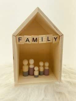 Huisje voor houten poppetjes family