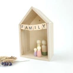 Huisje voor houten poppetjes 'Family'