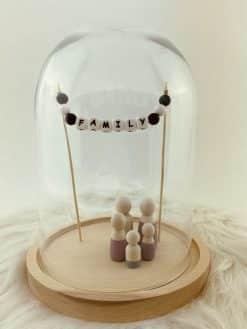 Stolp voor houten poppetjes met zwartwit slingertje Family