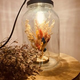 Tafellamp met droogbloemen