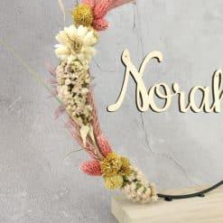 Naamcirkel op houten voet - Norah