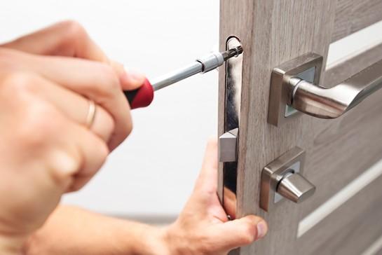 Låsesmed Valby med gratis kørsel og billige låsesmed priser til oplukning af døre